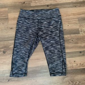 Zella Cropped Pants in Perfect Condition